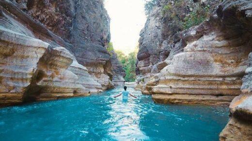 Air terjun keren di Sumba
