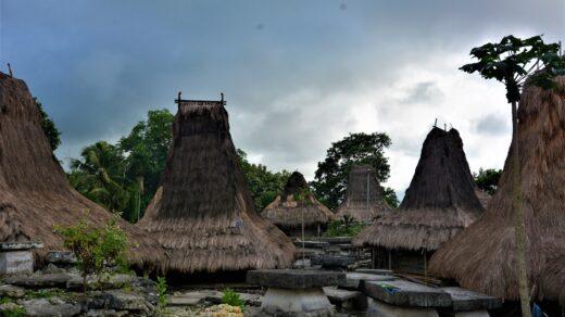 Desa Adat Manola, Desa Adat di Sumba Barat Daya