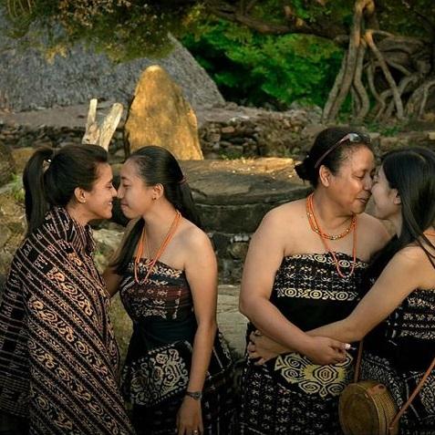 5 tradisi unik di sumba