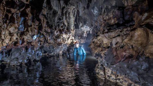 Goa Kanabu Wai DI Taman Nasional Matalawa