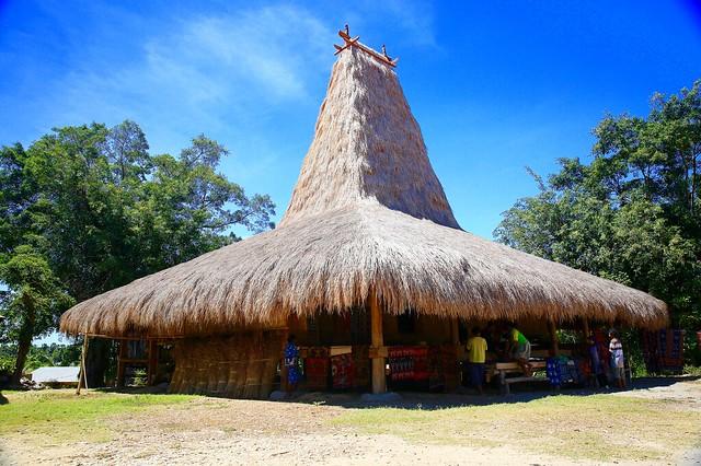 Kampung Raja Prailu Sumba