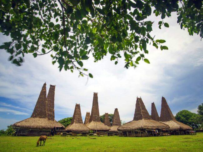 Desa adat Ratenggaro