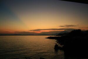 Matahari terbenam di Kalala Beach Resort Sumba. Foto: Google Maps / semura 81