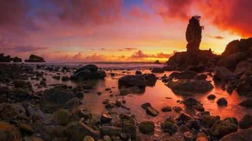Pantai Tirung saat senja-Foto @josehamra from filckr