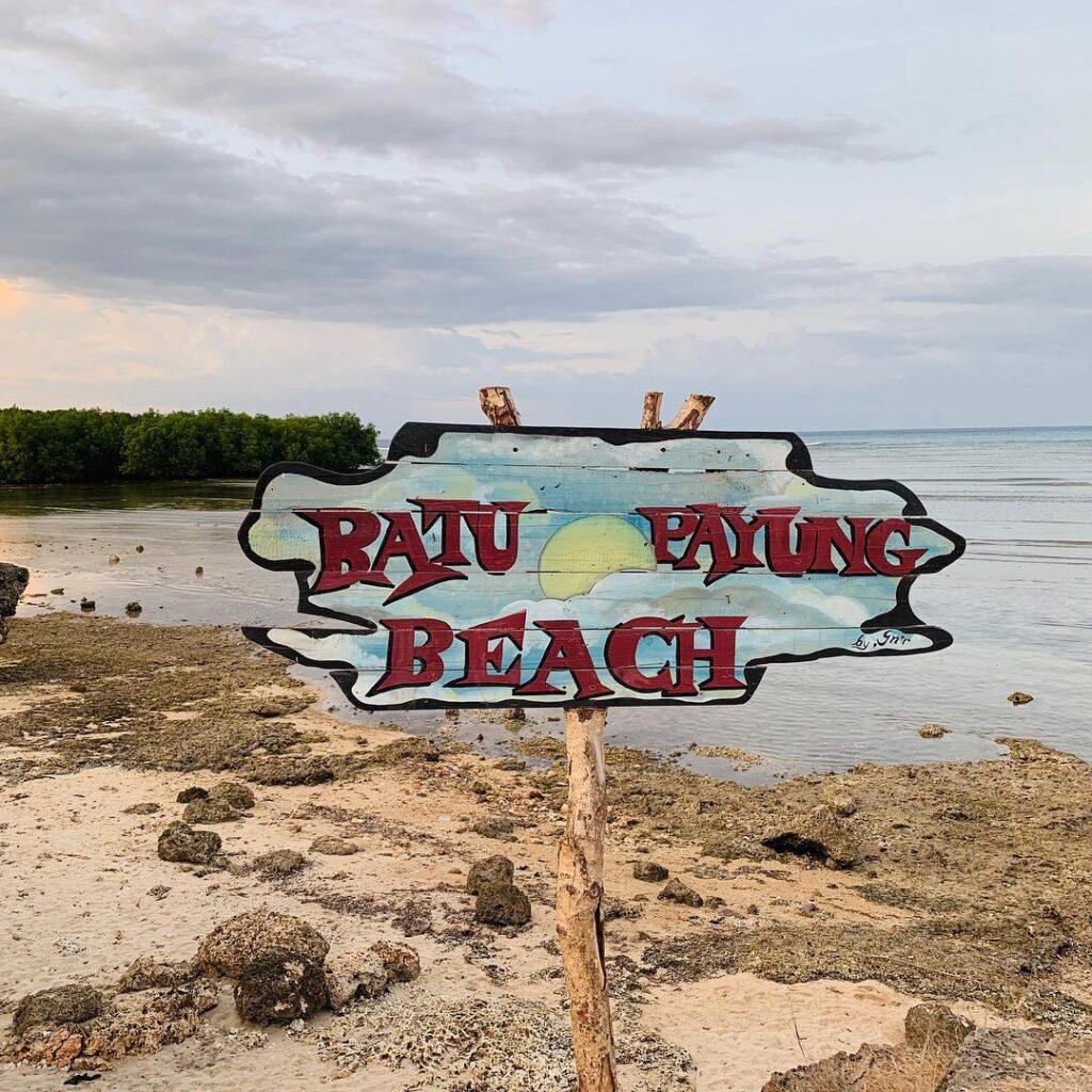 Pantai Batu Payung waingapu sumba timur