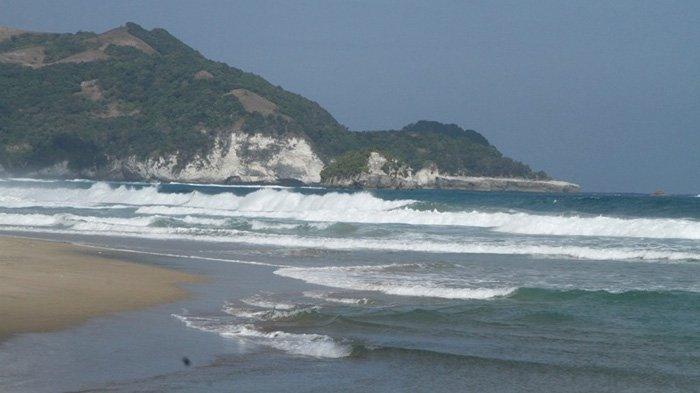 Pantai Mondulambi