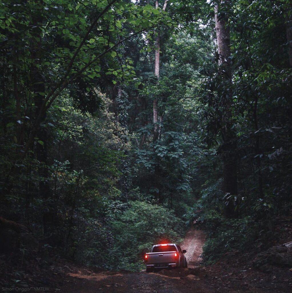 Perjalanan masuk ke Taman Nasional Matalawa