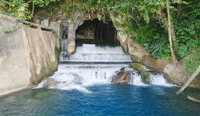 Air terjun Waikelo Sawah