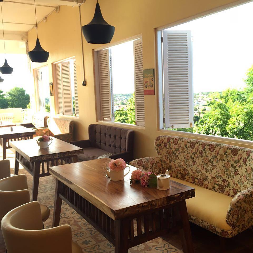 cafe pc corner sumba