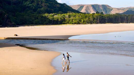 Pantai Mondu Lambi Sumba