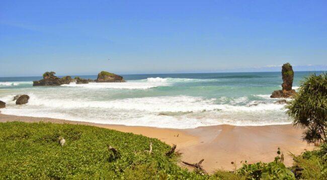 cara menuju Pantai Tirung Sumba