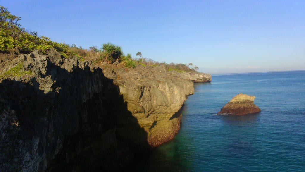 tebing di Pantai BukamberoSumba Barat Daya