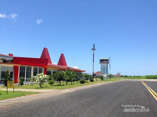 Bandara Tambolaka, bandara di sumba barat