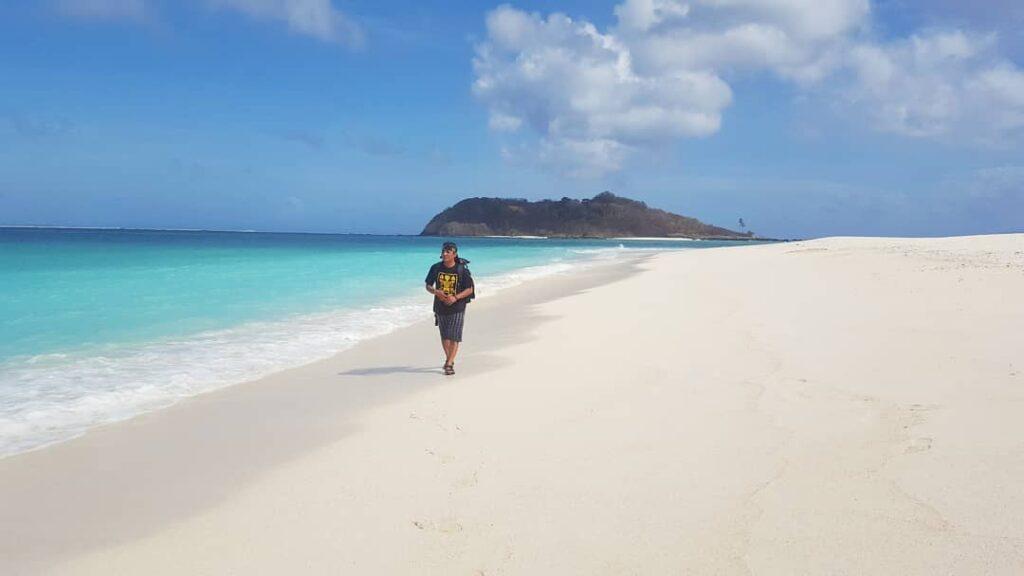 wisata di Pulau Salura Sumba