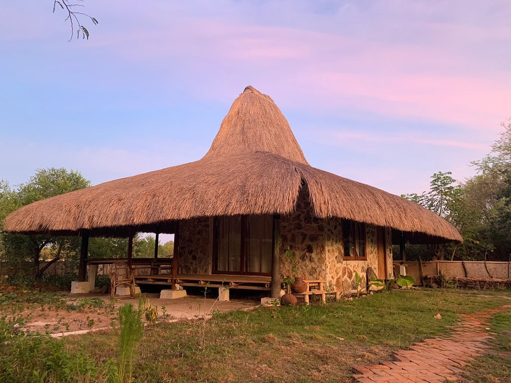 Amudahi Villa and Restourant