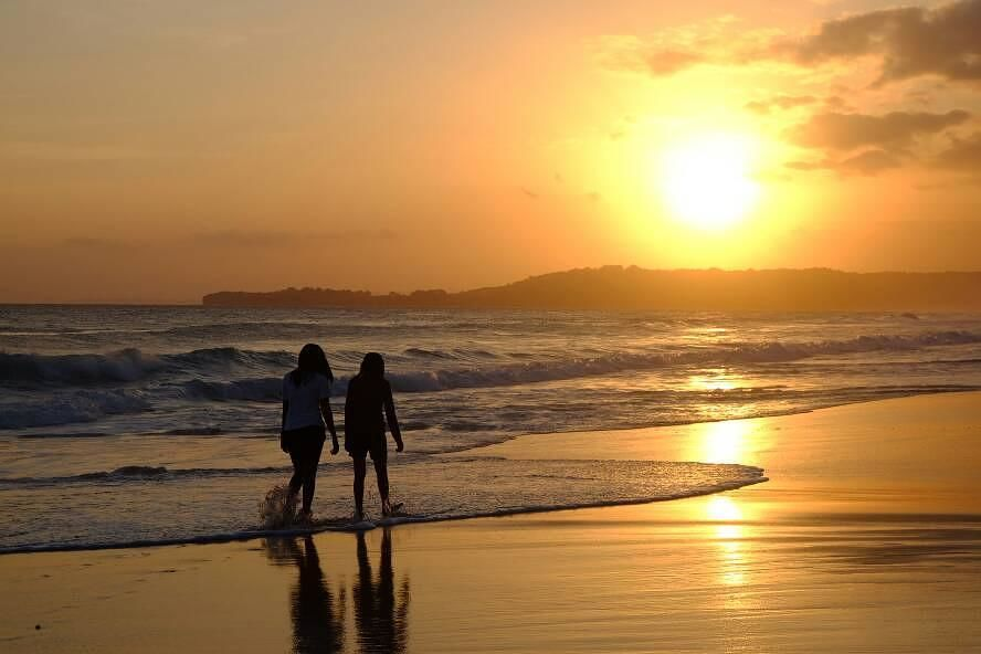 Sunset Pantai Terindah di Indonesia