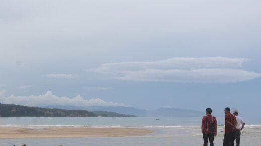 Pantai Pahiwi Wanokaka Sumba